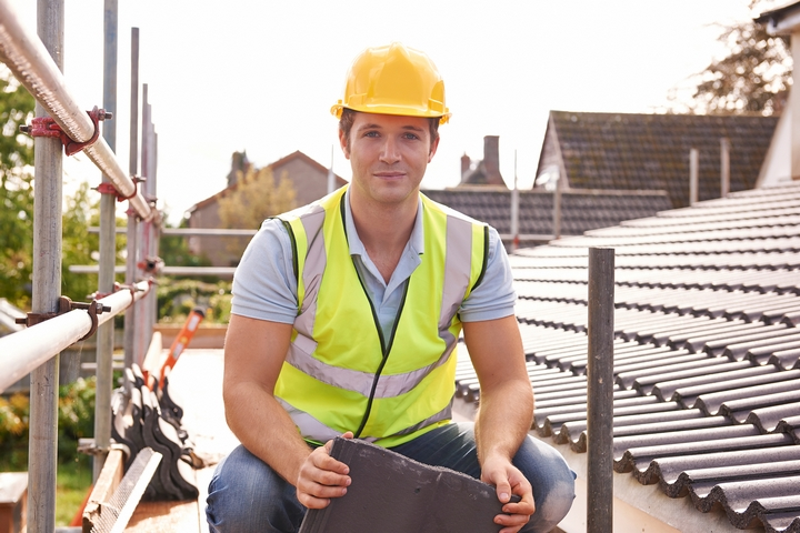 How to Stay Cool while Roofing in the Summer